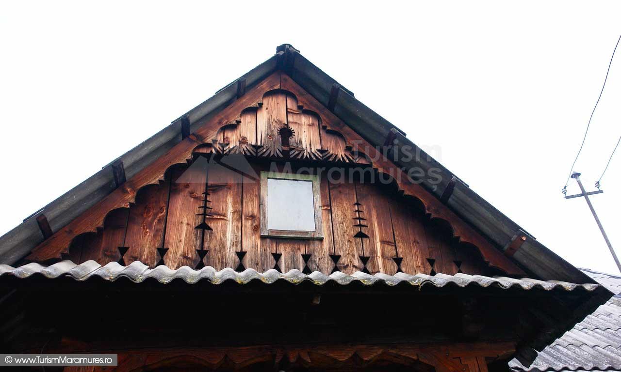Timpan-casa-Maramures