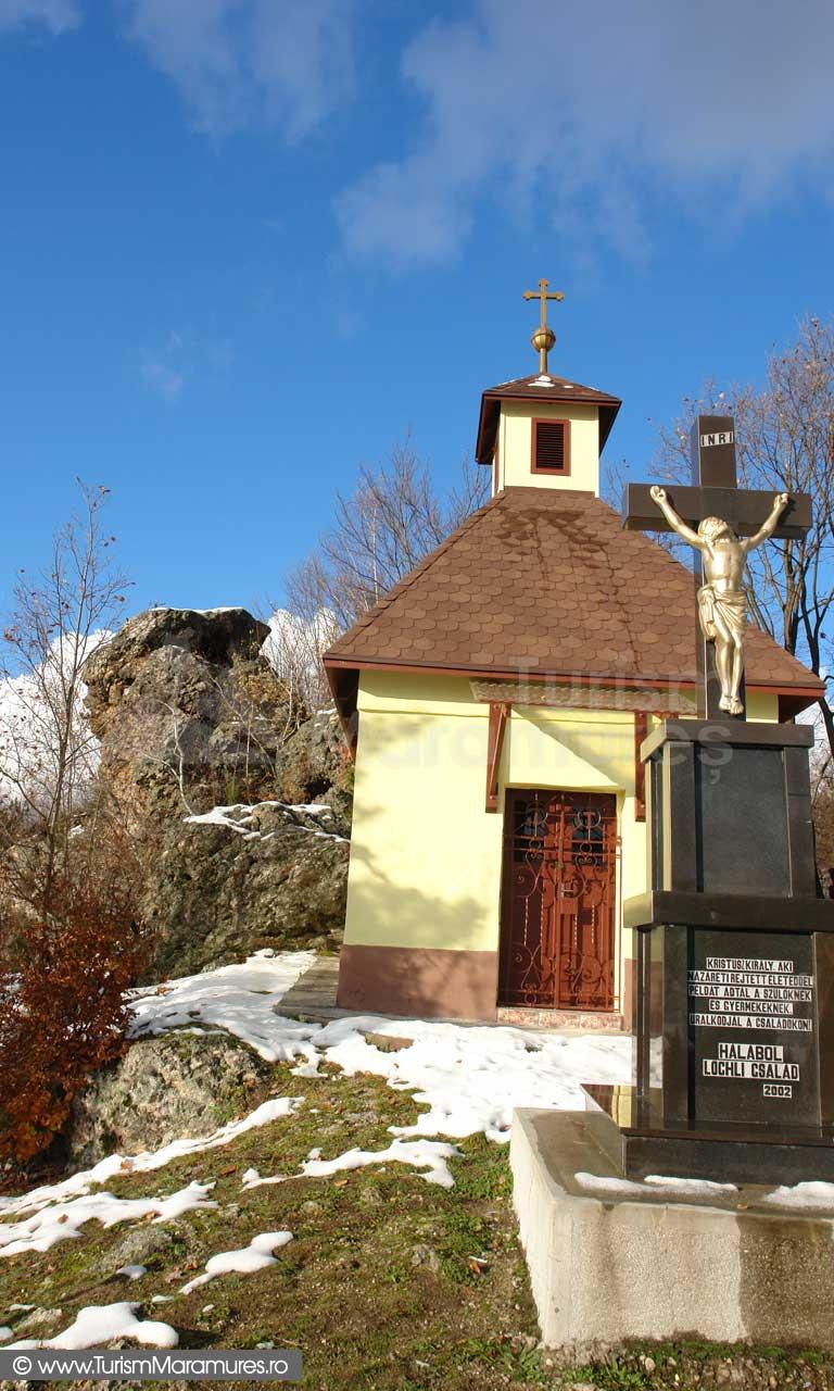 Capela-roman-catolica-Baita