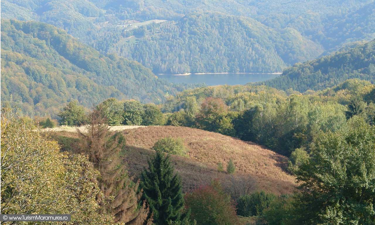 Coborand din Saua Dia spre Valea Romana