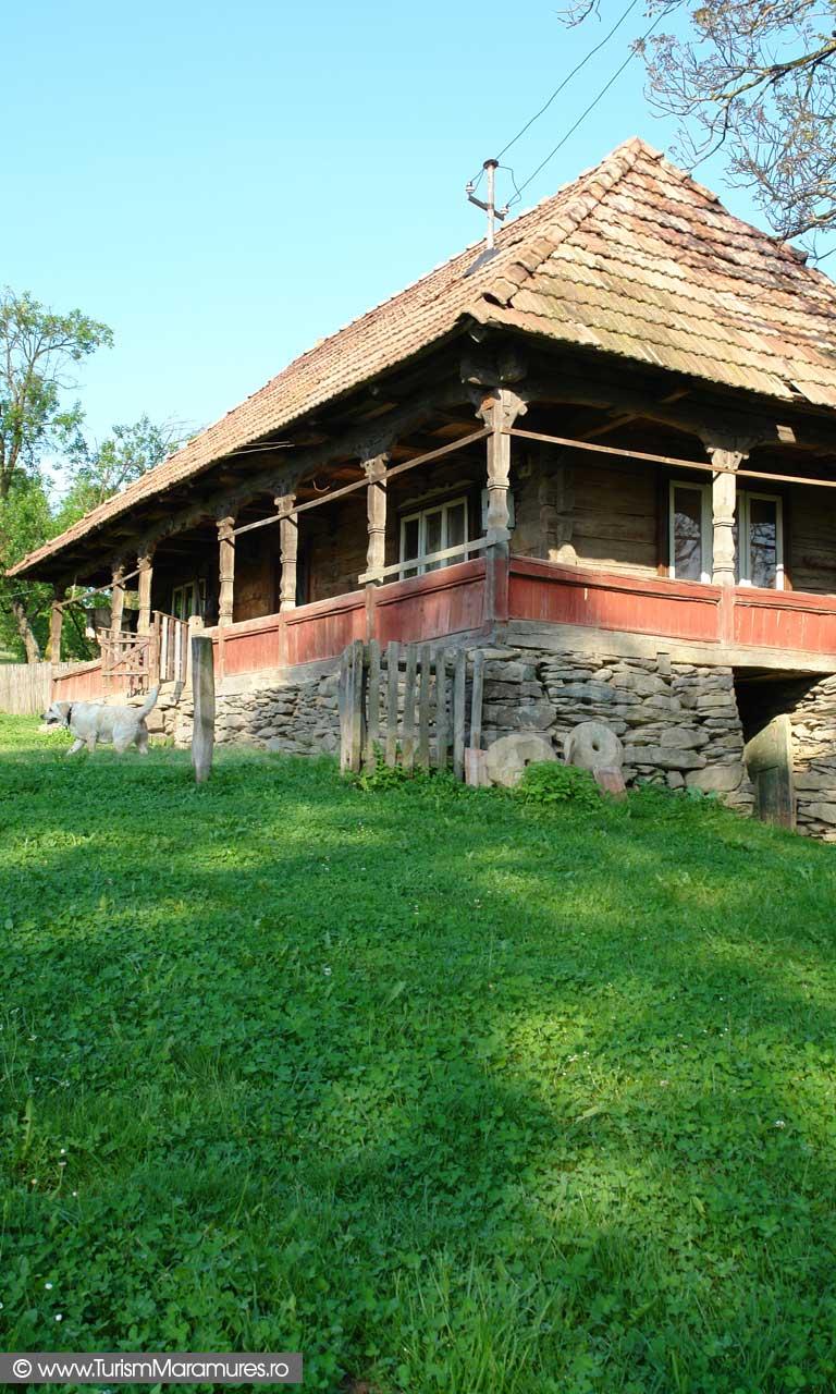 Casa traditionala Berbesti Maramures