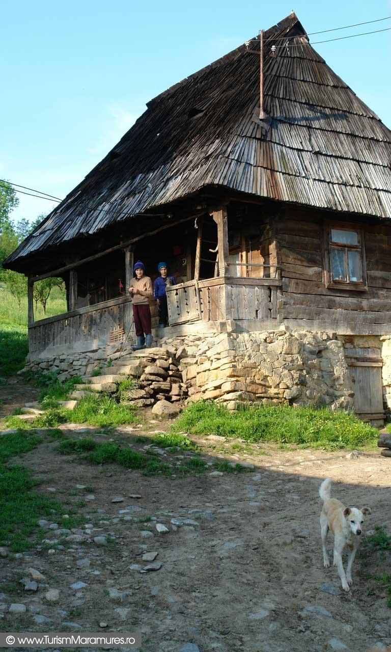 Casa traditionala Berbesti Maramures_01
