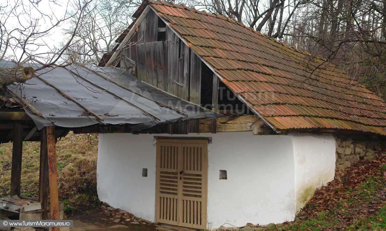 02_Pivnita-veche-Cicarlau-Maramures