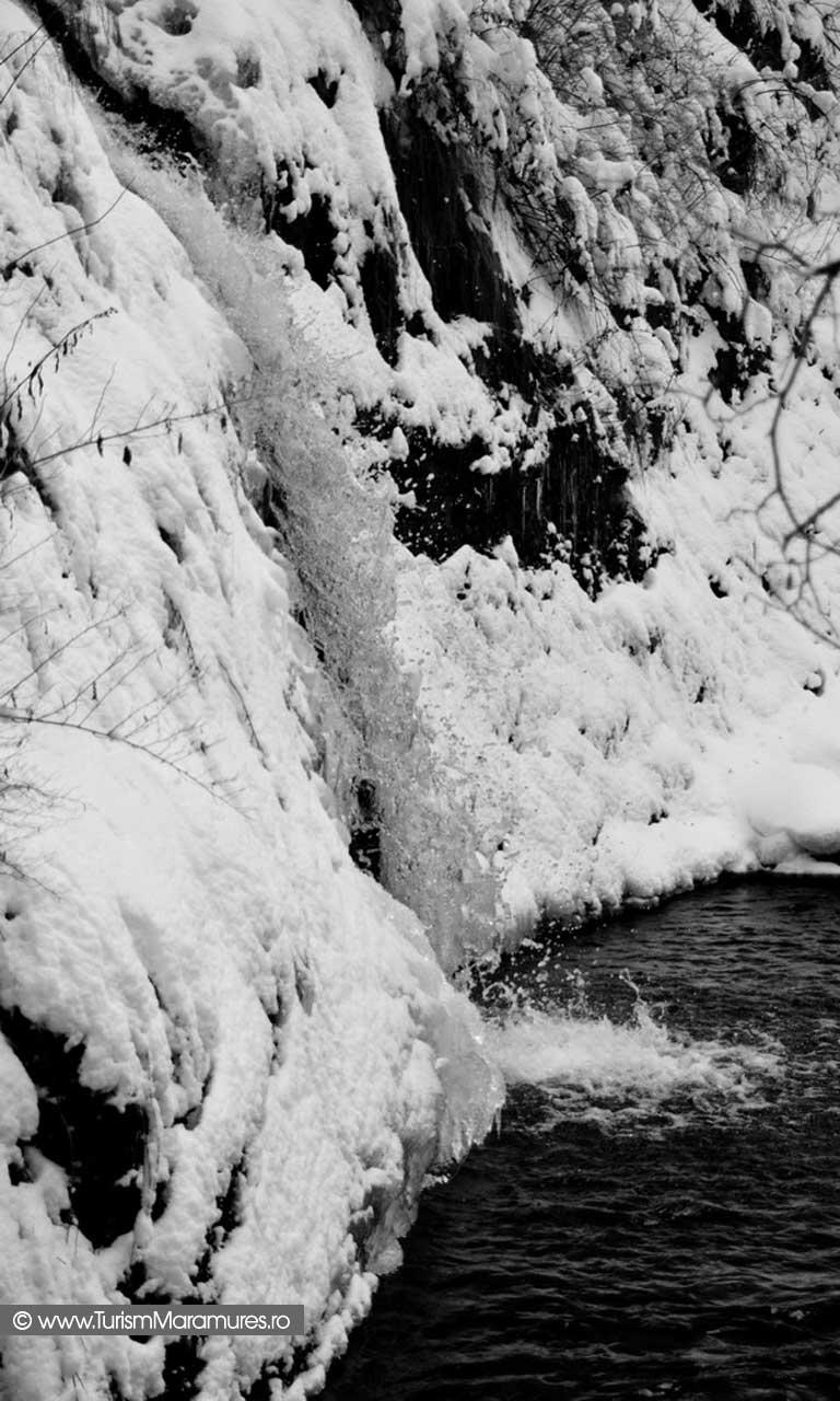 Cascada valea Sturului Maramures_02