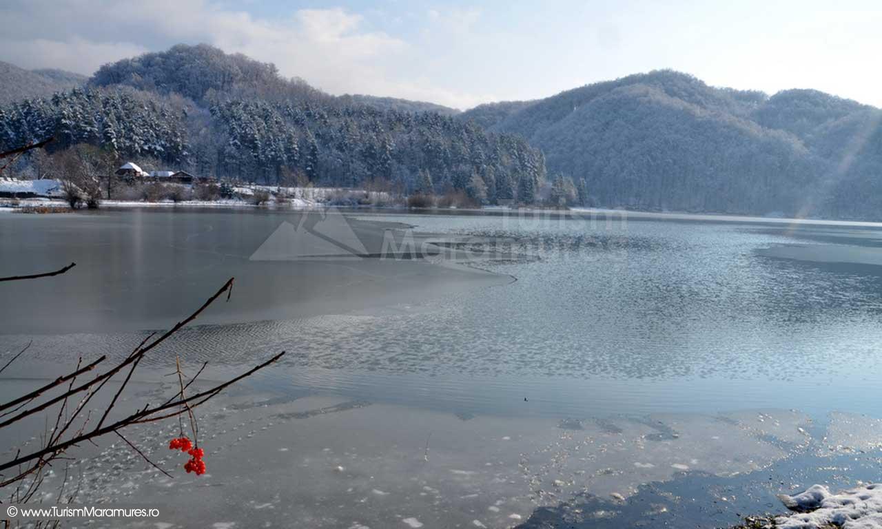 Lacul Firiza Maramures iarna_01