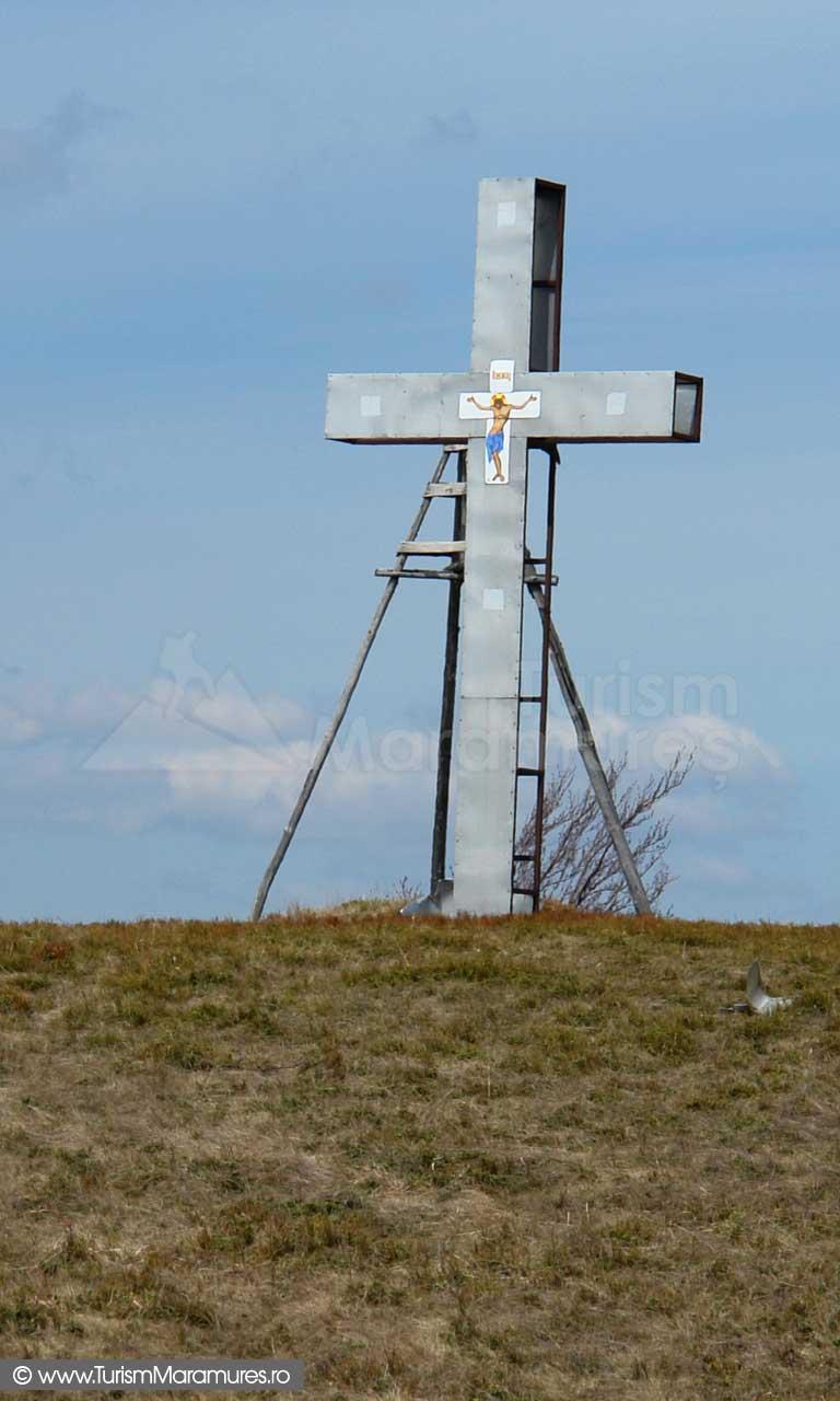 Fosta cruce de pe varful Neteda