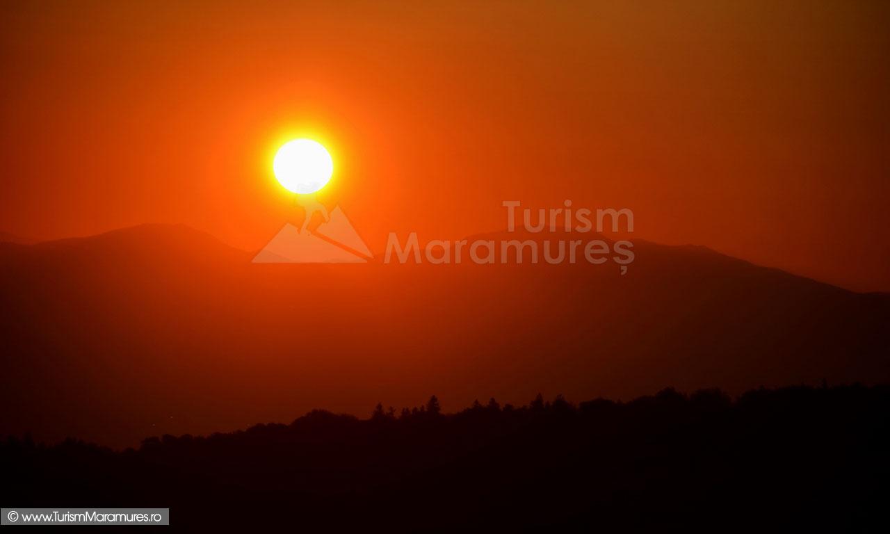 03_Rasarit-in-Muntii-Maramuresului