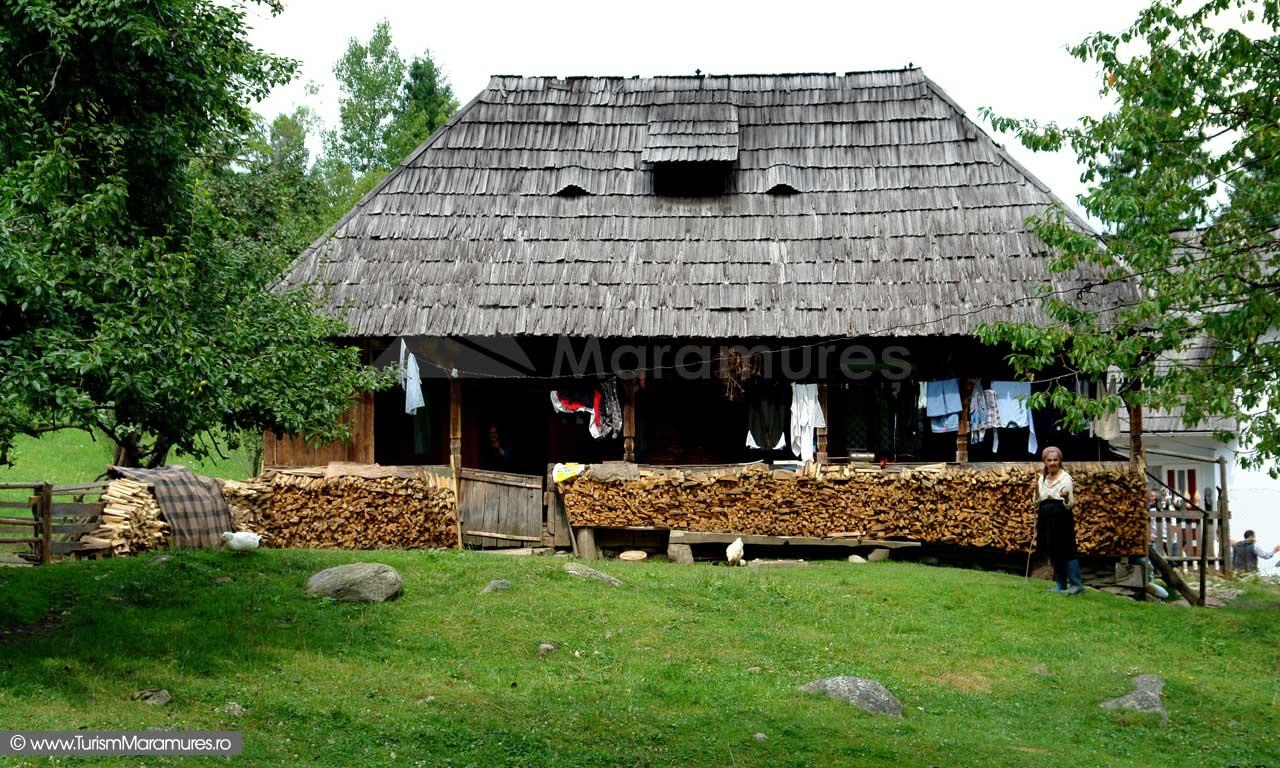 Casa-traditionala-Borsa-Maramures