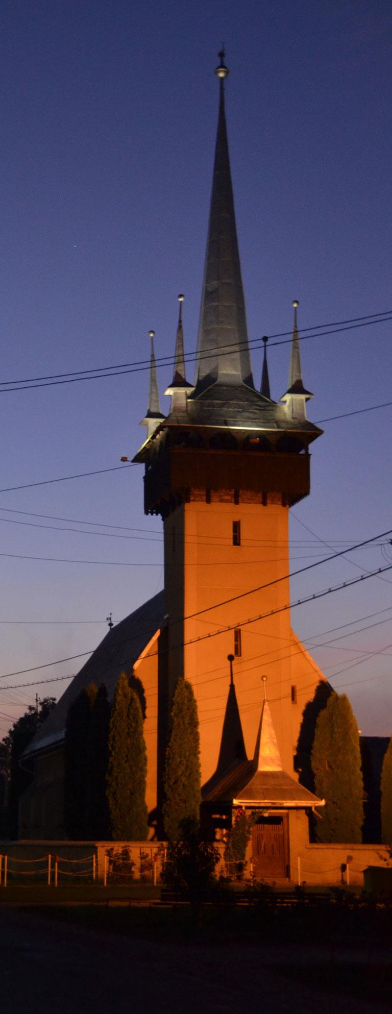 01_Biserica-transilvana-din-Damacuseni