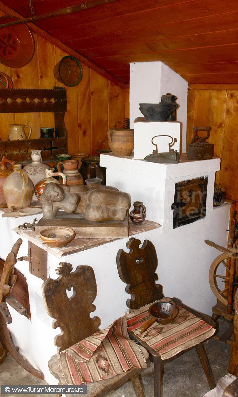 09_Muzeul-Pipas-Maramures_Cuptor