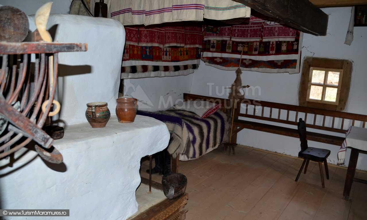 27_Muzeul-Satului-Maramuresean_interior