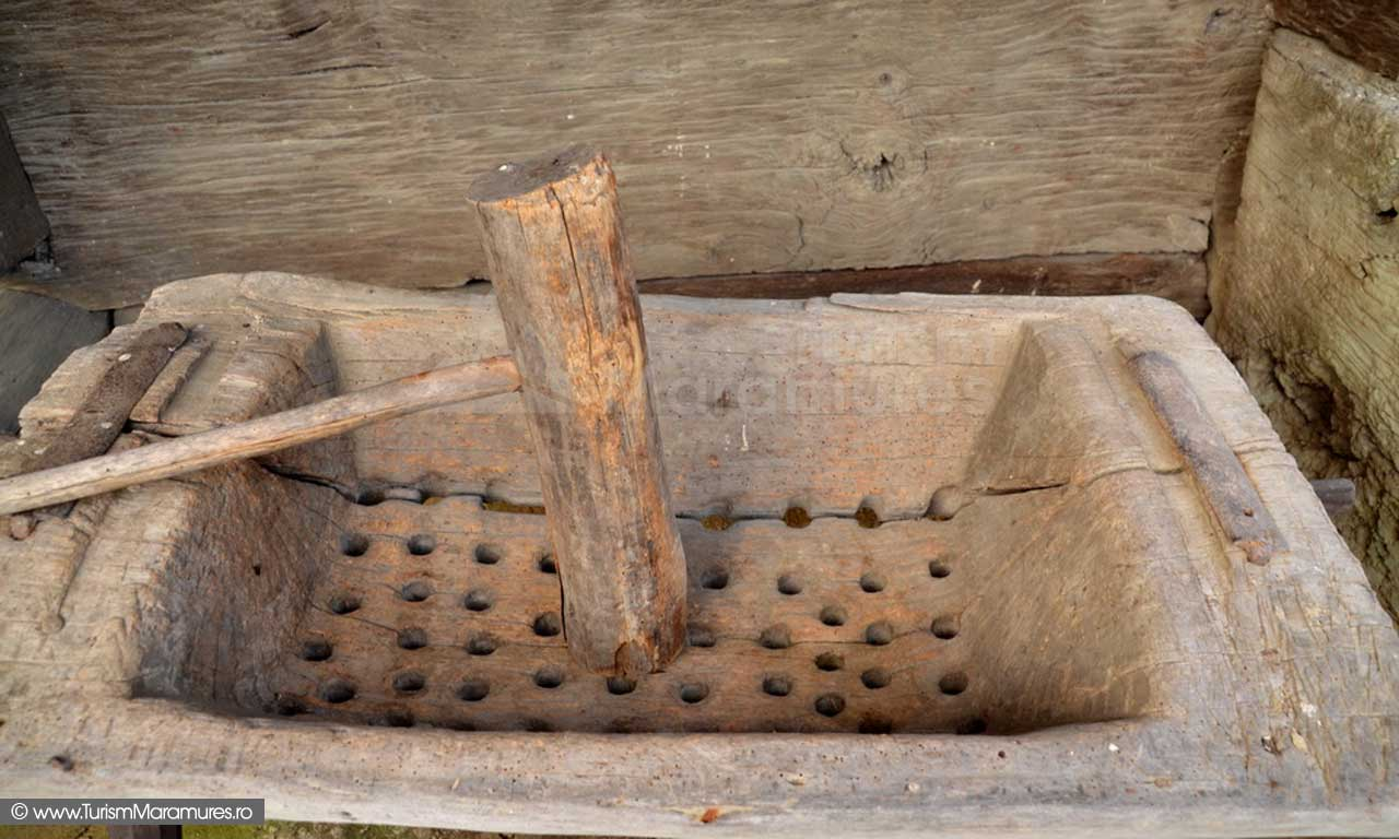 30_Trior-Casa-Cupcea-Calinesti-1710_Muzeul-Satului-Maramuresean