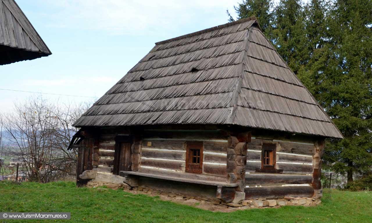 35_Muzeul-Satului-Maramuresean_Casa-Poinile-de-Sub-Munte