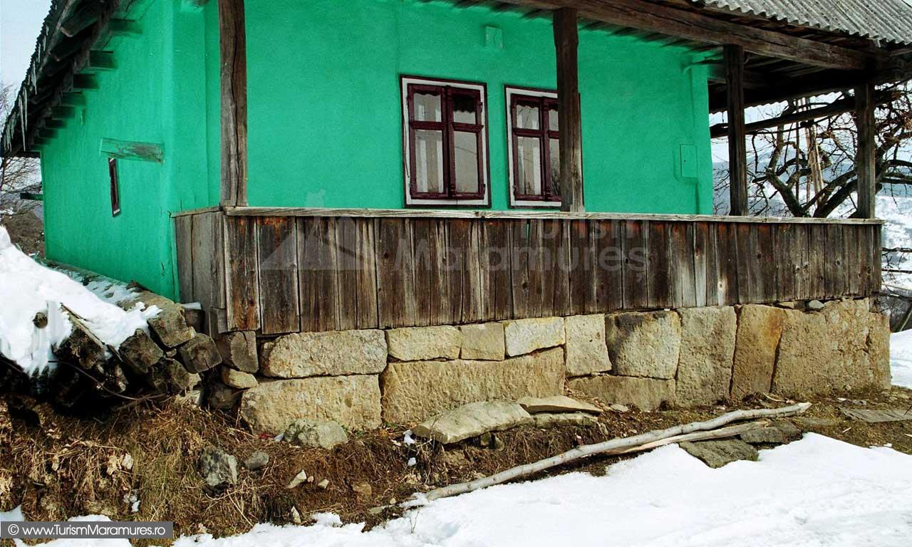 Casa-traditionala-Surdesti-Maramures