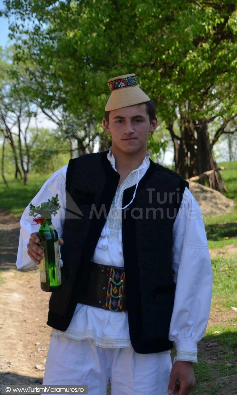 0240_Tanar-din-Hoteni-Maramures