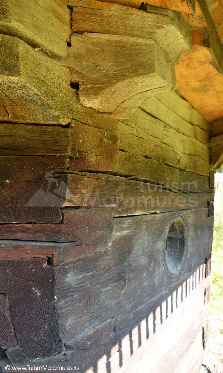 0026_Biserica-de-lemn-Sfintii-Arhangheli-Draghia-Maramures