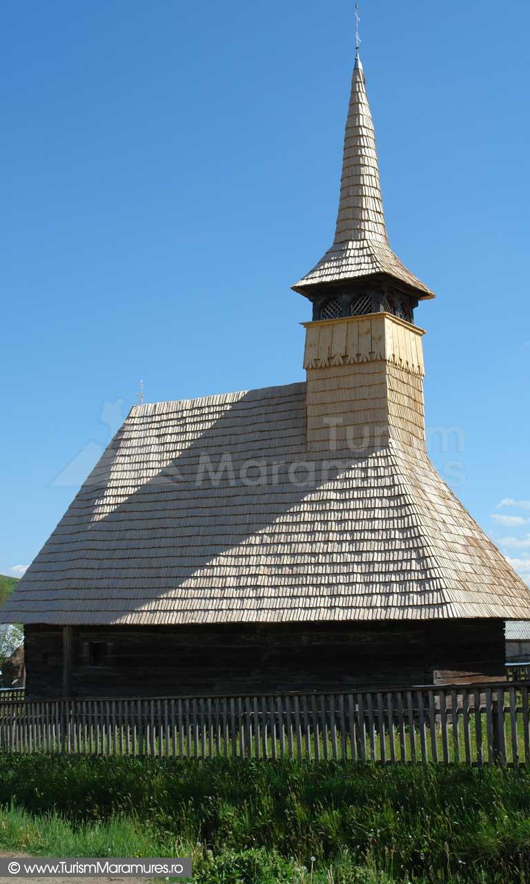 Biserica de lemn din Cupseni_01