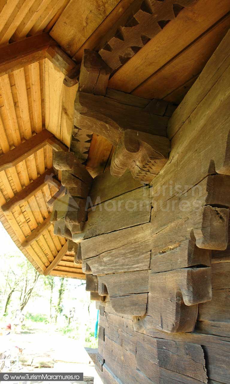 Biserica de lemn din Rogoz_01