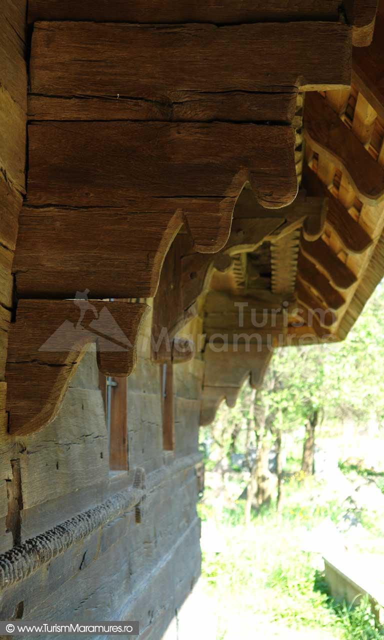 Biserica de lemn din Rogoz_02
