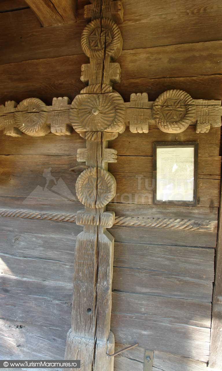 Biserica de lemn din Rogoz_03