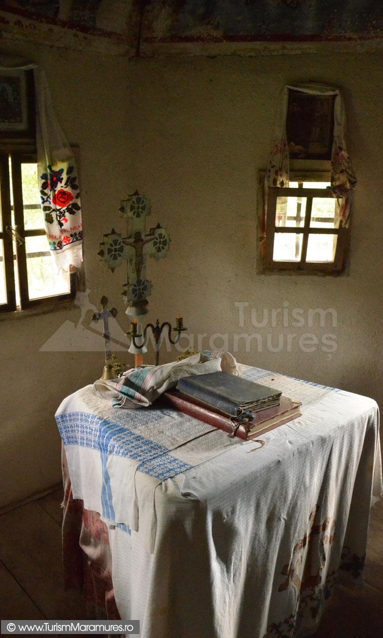 73_Biserica-de-lemn-din-Dealul-Carjii
