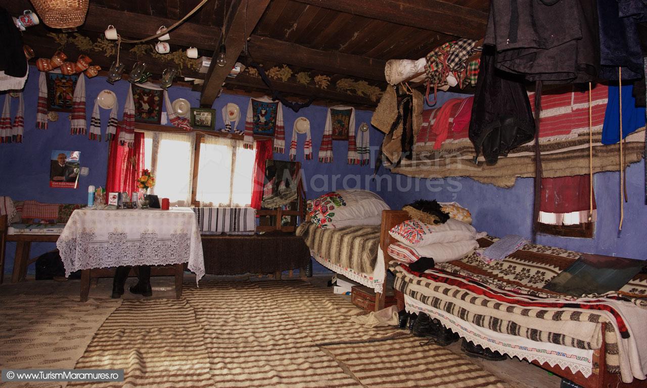 08_Interioar-casa-traditionala-Ungureni