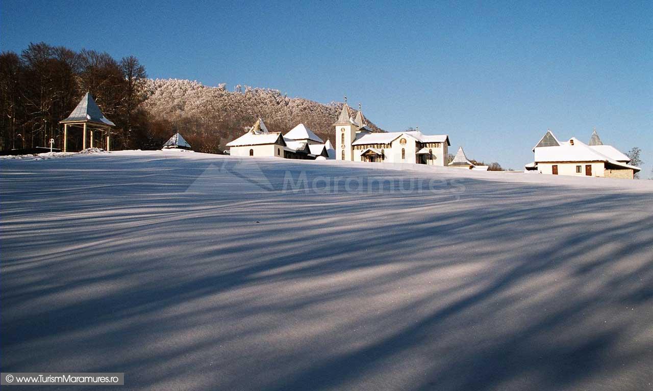 01_Manastirea-Satra-Maramures_02