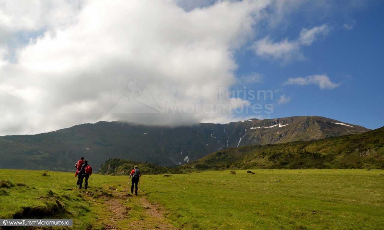 12_Prin-Stiol-spre-Picioru-Oncului-Gargalaul