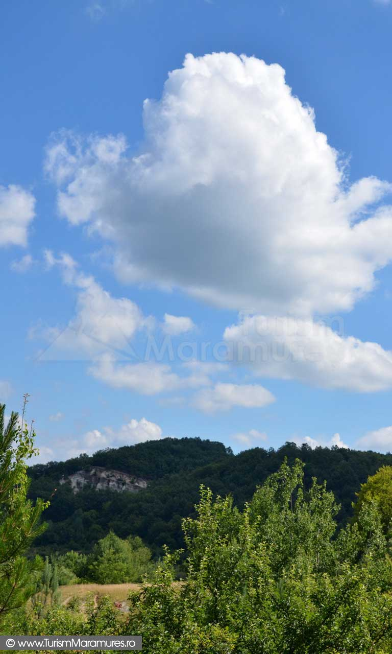 79_Brusturi_Piatra-Lupoi-vedere-de-la-SV