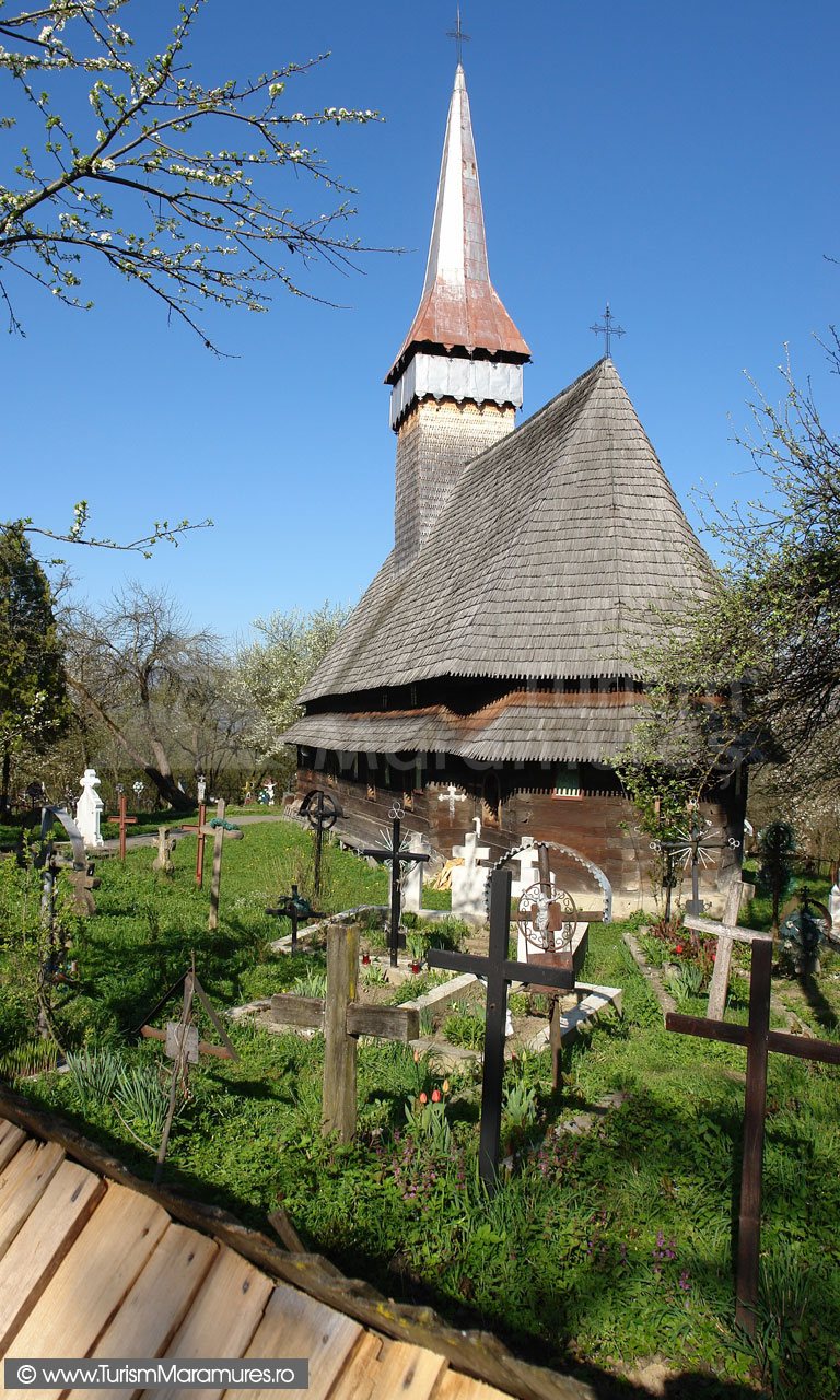 10_Biserica-din-Hoteni-Maramures