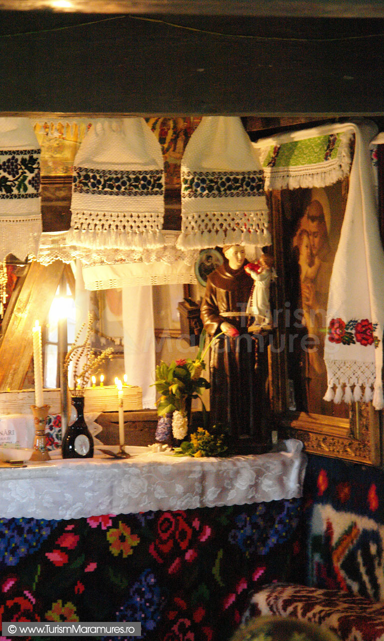 16_Biserica-din-Hoteni-monument-istoric