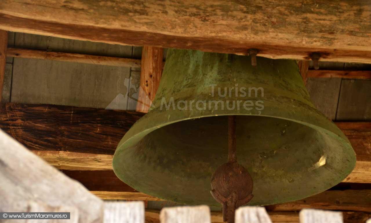 50_Valea-Cosaului-Sarbi-clopotul-bisericii-Susani