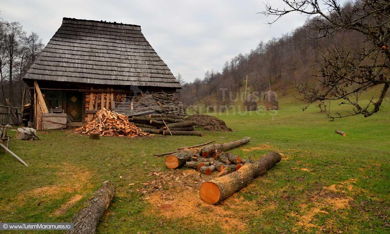 72_Casa-moroseneasca-de-pe-Rau-Mare