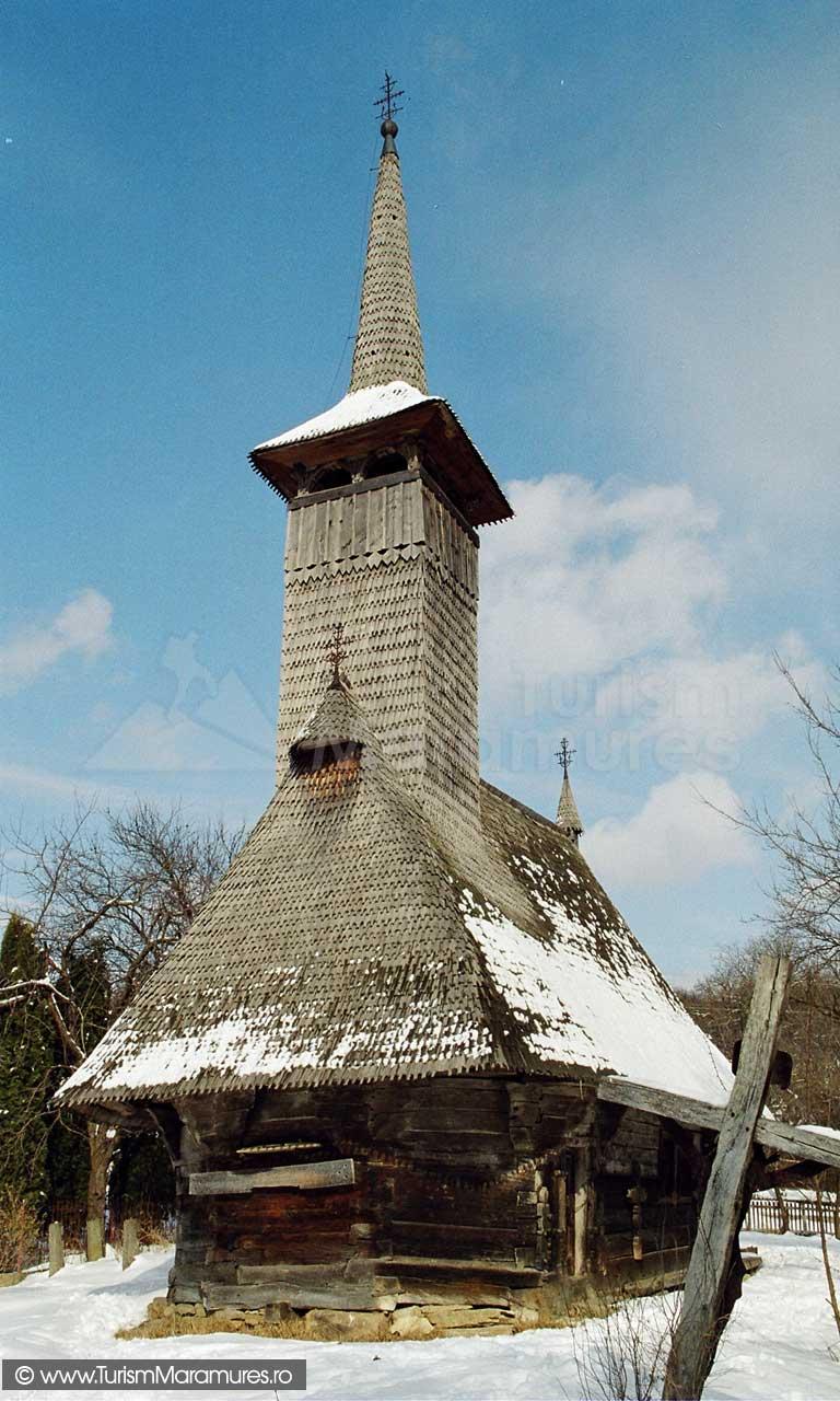 Biserica-lemn-Sfintii-Arhangheli-Mihail-si-Gavril-Vima-Mica-Maramures_00