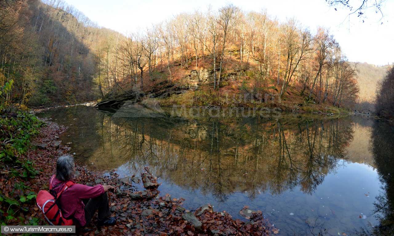 Balta Dosului de pe râul Lăpuș din Maramures; Râul Lăpuș (Buteasa): Defileul Lăpușului