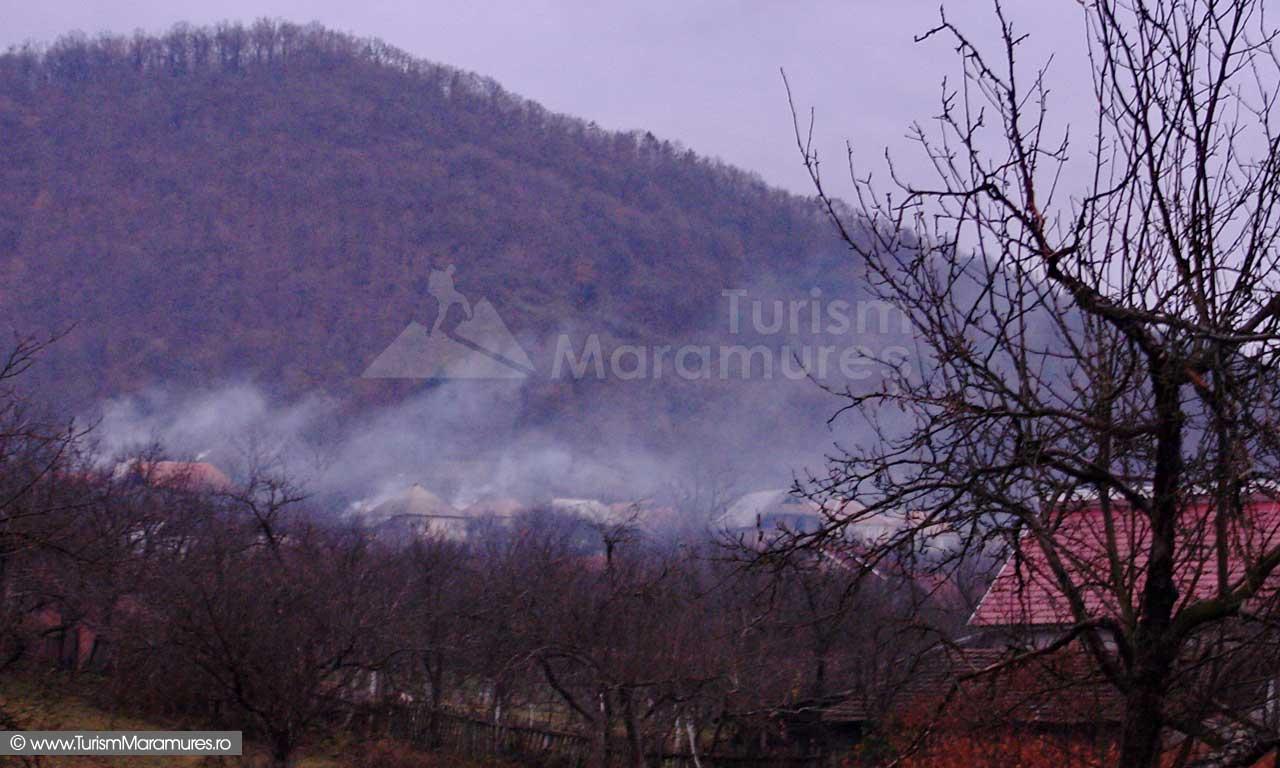 Localitatea Cicarlau, judetul Maramures, pe inserat