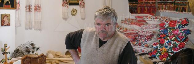 MEȘTERI POPULARI DIN MARAMUREȘ – În Rogoz, la sculptorul popular Nicolae Șerban