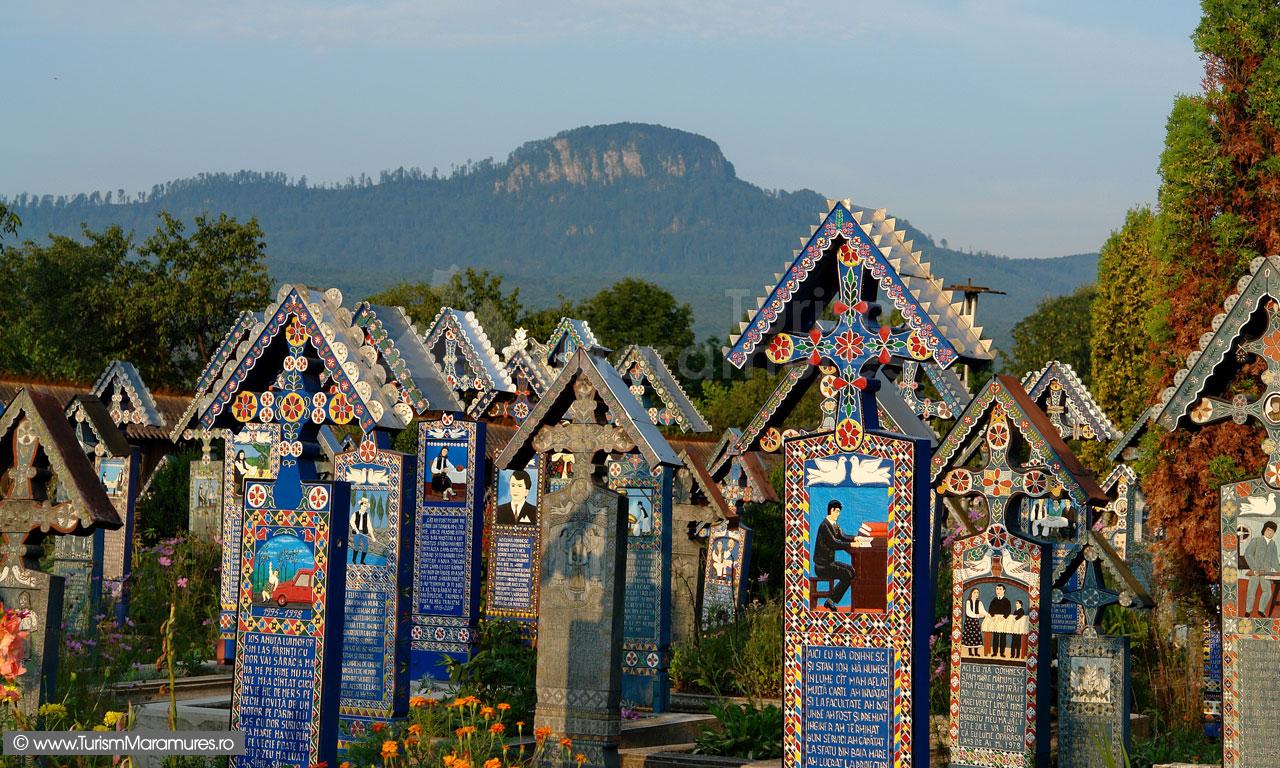 Piatra Sapantei si Cimitirul Vesel