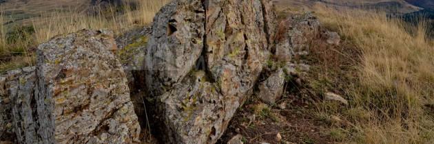 Munții Lăpușului: La biserica Sfântul Nicolae din Budești Susani și pe vârful Sâva
