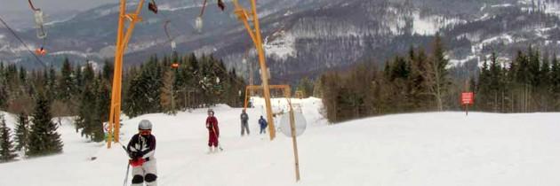 Cea mai convenabilă pârtie de schi din Maramureș: vezi prețul la cartele și la abonamentele de schi