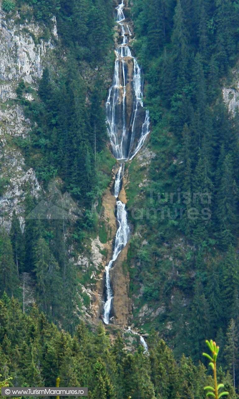 Cascada Cailor - vedere dinspre Runcu Știolului