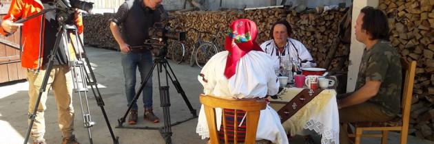 Charlie Ottley s-a întors în Maramureș ca să simtă aroma pălincii și mâncărurilor tradiționale