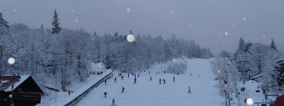 Oprirea și staționarea lângă pârtia de schi Roata se interzice din 25 ianuarie 2018