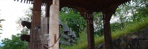 """Biserica de lemn din Bârsana """"Intrarea Maicii Domnului în Biserică"""" – monument UNESCO"""